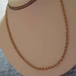 Jewelry - Gorgeous Gold Chain